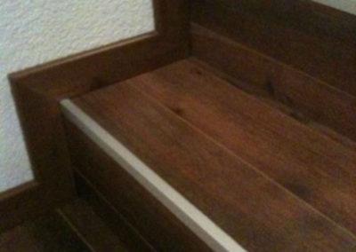 Redoublage d'escaliers béton en parquet collé
